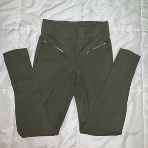 NWOT Green trousers with zippers